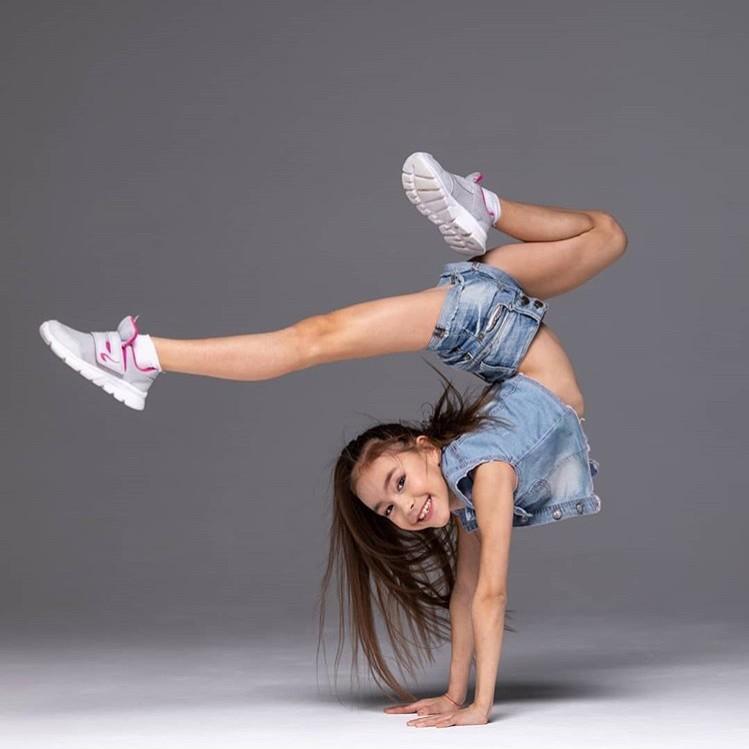 Akrobatik Tanz | Kinder Kurse im Circus Center Bruck